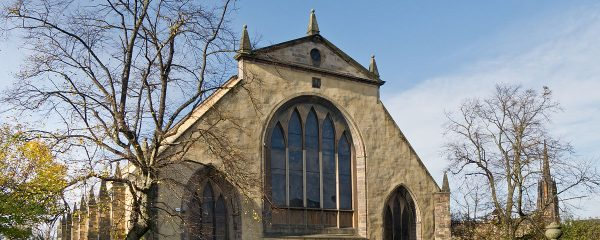 Greyfriars Kirk in the sunshine on a spring morning