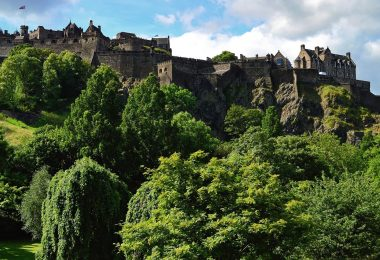 a view of Edinburgh Castle from the Prince's Street Gardens (West)