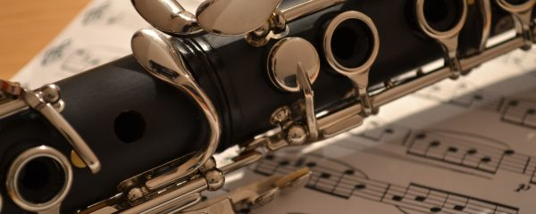 image of a clarinet and music